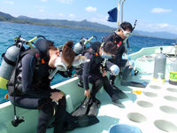 ダイビングボートⅠの船縁