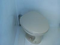 ダイビングボート5のトイレ