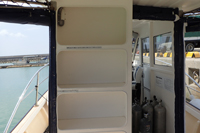 ダイビングボートwingの棚