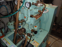 東亜潜水機製のコンプレッサー