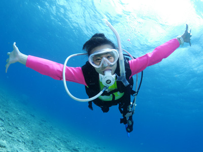 ファンダイビングで泳ぐ