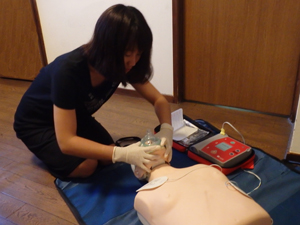 AEDを使用した講習風景