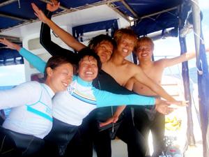 卒業(学生)旅行で体験ダイビングを楽しむ風景1