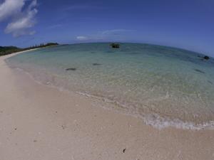 スクールの目の前のビーチ